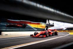 Sebastian Vettel inrijden Pitstraat Foto GP Engeland 2019