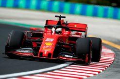 Sebastian Vettel in actie foto tijdens de GP van Hongarije 2019