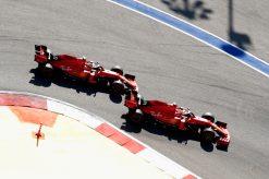 Vettel en Leclerc net na de start GP Rusland 2019